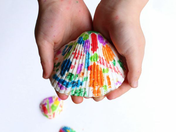Melted Crayon Seashells - Easy Seashell Crafts for Kids