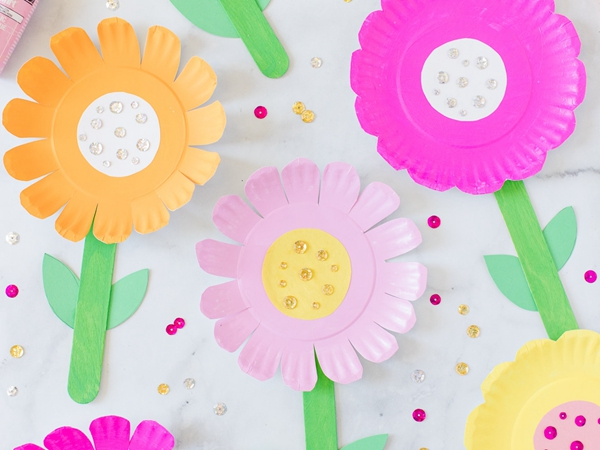 Paper Plate Flowers - Easy Paper Crafts for Kids