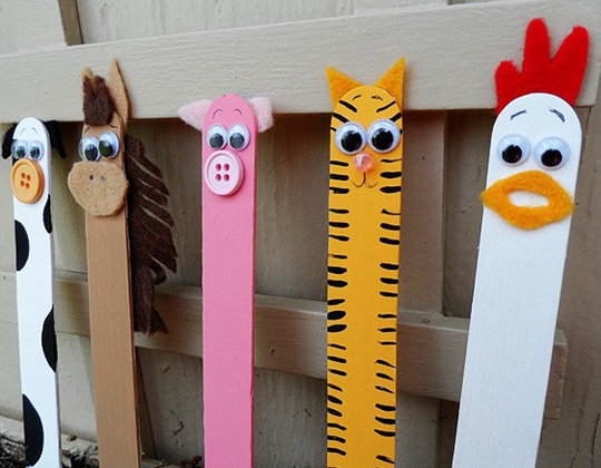 Craft Stick Farm Animals - Easy Popsicle Crafts for Kids