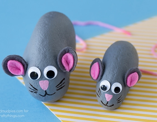 Easy Painted Mouse Rocks - Easy Popsicle Crafts for Kids