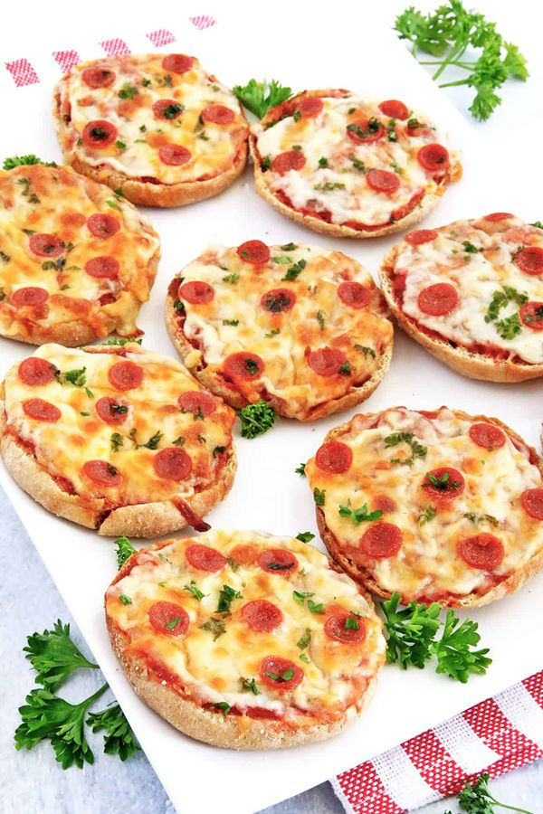 English Muffin Mini Pepperoni Pizzas - Snack Recipes for Kids