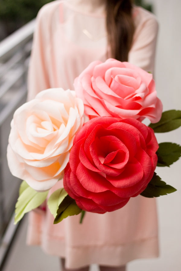 DIY Giant Crepe Paper Roses - DIY Paper Flowers Ideas