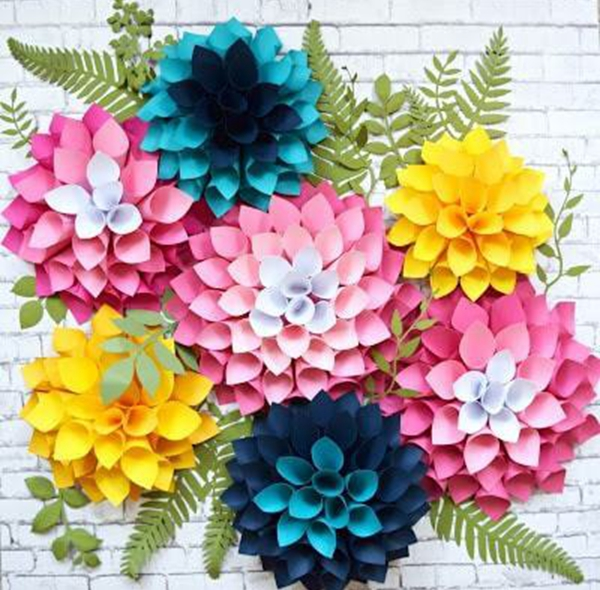 Giant Dahlia Paper Flowers - DIY Paper Flowers Ideas